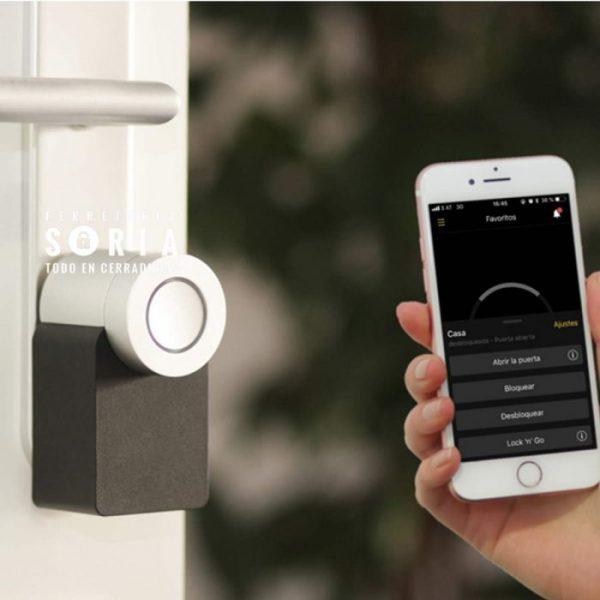 nuki smart lock cerradura inteligente apertura con el movil